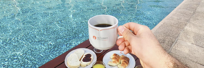 desayuno-pileta-1500x500
